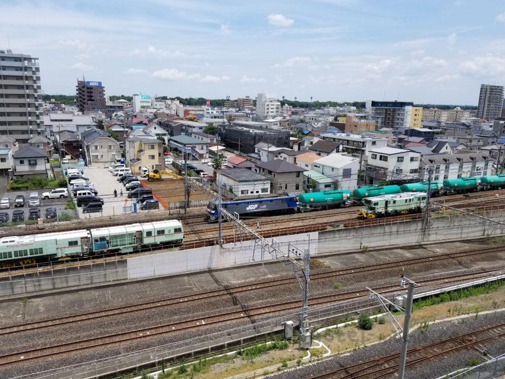 鉄道博物館内から見る在来線や貨物列車の線路