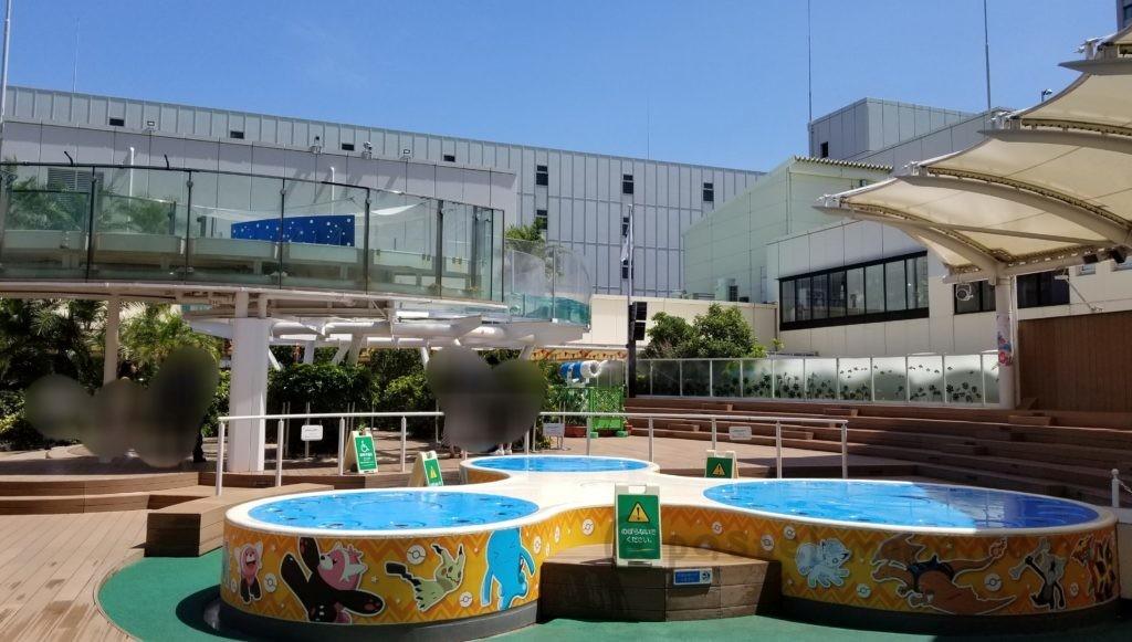 池袋サンシャイン水族館の屋上イルカショーステージ
