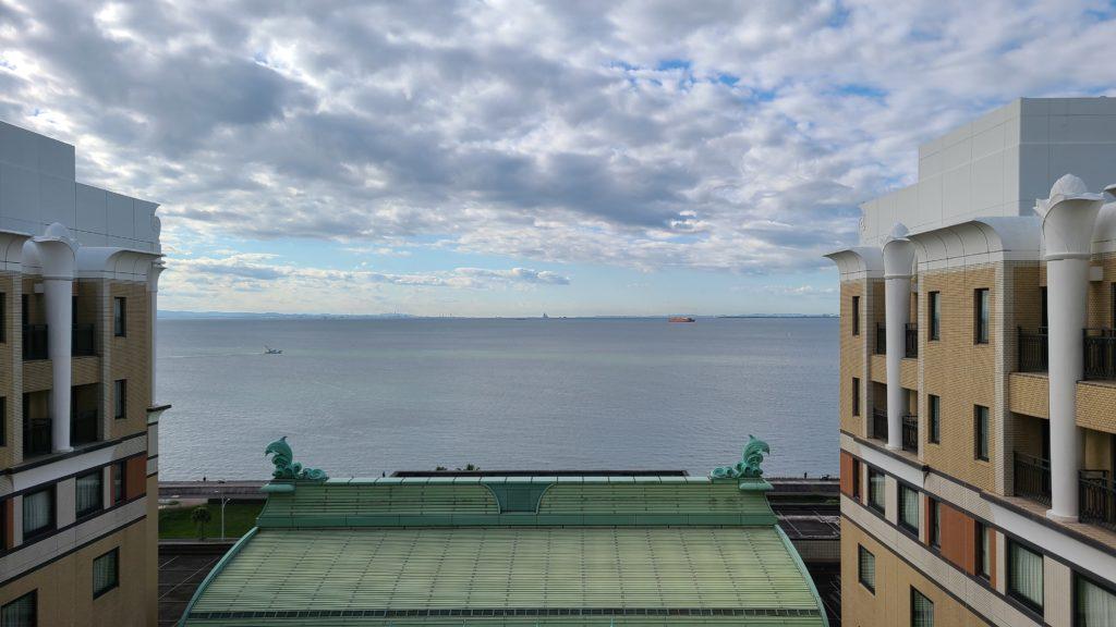ホテルオークラ東京ベイのデラックスルーム9Fから見た景色